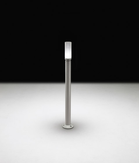New Torcia Mid-Power LED / Pole Version - Direct 230V by Ares | Bollard lights