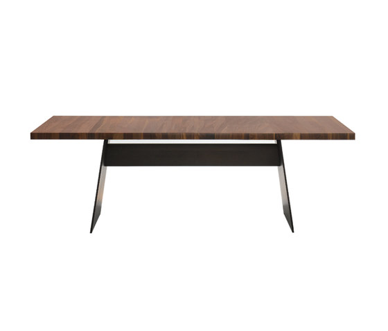 Tadeo table by Walter K. | Dining tables