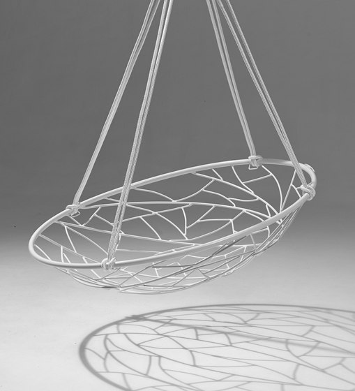 Basket Twig hanging swing chair de Studio Stirling | Sièges de jardin