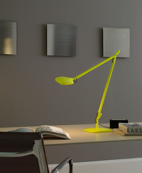 Volée Lampe de table de FontanaArte | Lampes de lecture