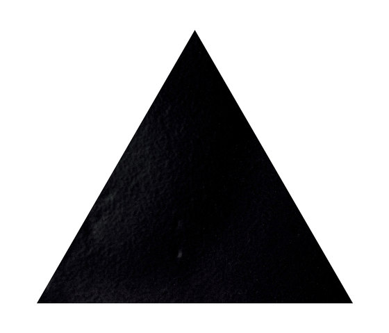 Konzept Shapes Triangle Terra Nera von Valmori Ceramica Design   Keramik Fliesen