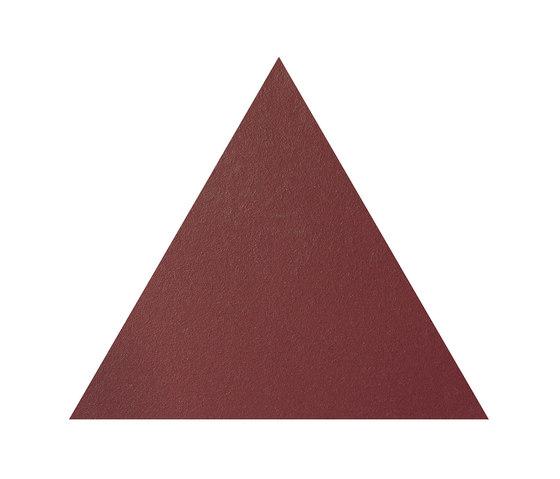 Konzept Shapes Triangle Terra Bordeaux von Valmori Ceramica Design | Keramik Fliesen