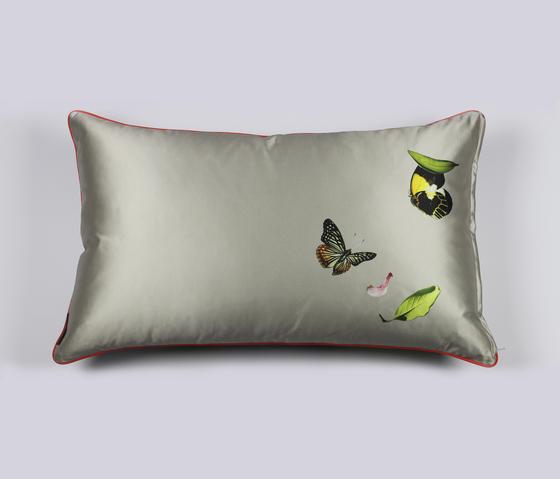 CUSHION PAPILLON - 2091 by Création Baumann | Cushions