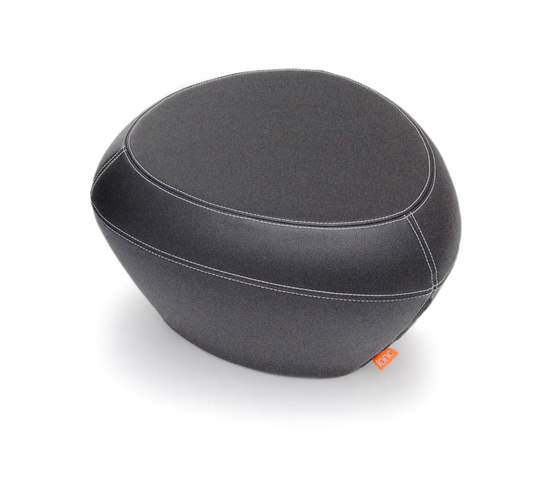 Teaser Leather, (foot) stool/table di Lonc   Pouf