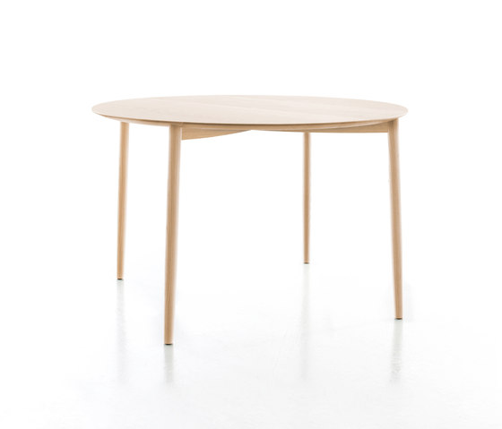 Mito table by conmoto | Dining tables