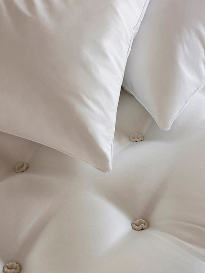 Accessories - Pillows by Vispring | Duvets