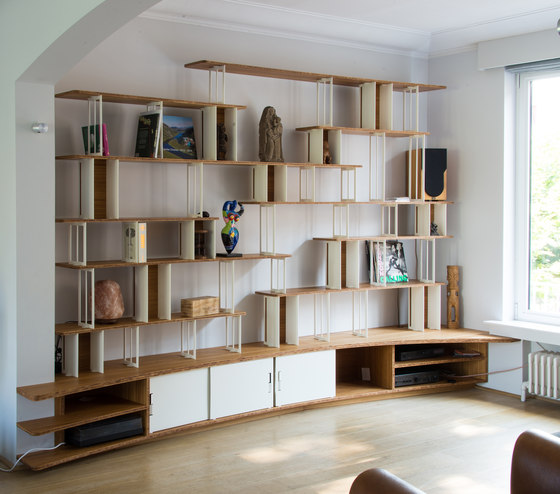 Curve steel bookshelf office shelving systems from jo a architonic - Fabriquer etagere bois ...