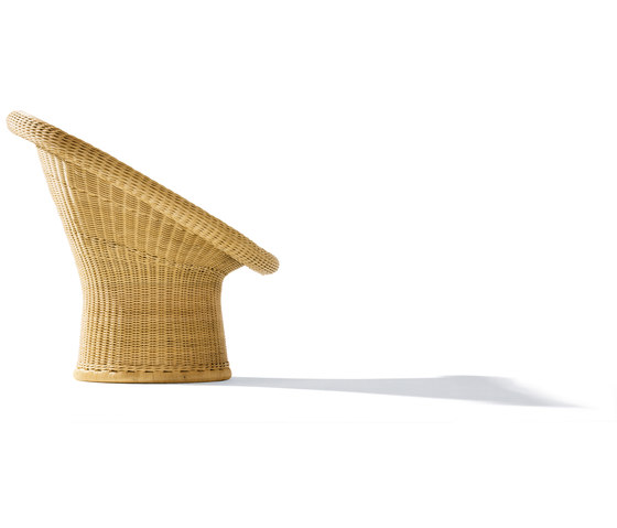 E 10 rattan lounge chair di Richard Lampert | Poltrone
