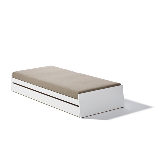 Lönneberga bed by Richard Lampert | Kids beds