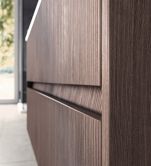 Infinito 100 by Milldue | Cabinet recessed handles