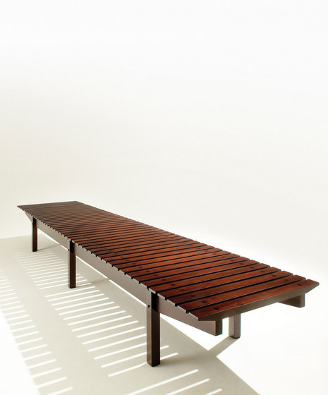 Mucki bench by LinBrasil | Benches