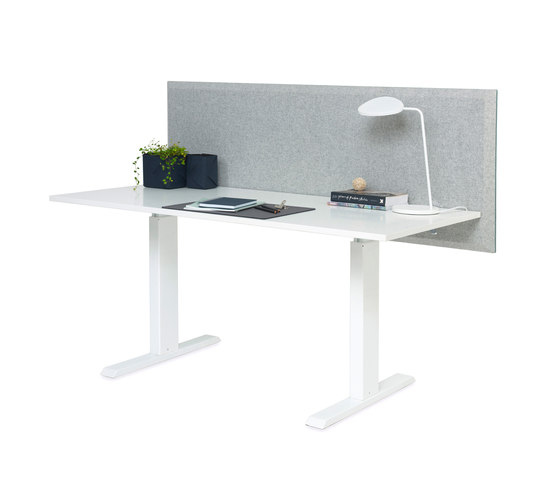 Domo table screen by Abstracta | Table accessories