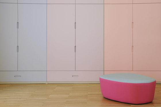 Kindergarten wardrobe de PLAY+ | Meubles rangement enfant