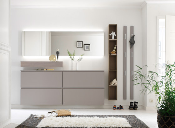 Tando by sudbrock product for Garderobe mit glasfront