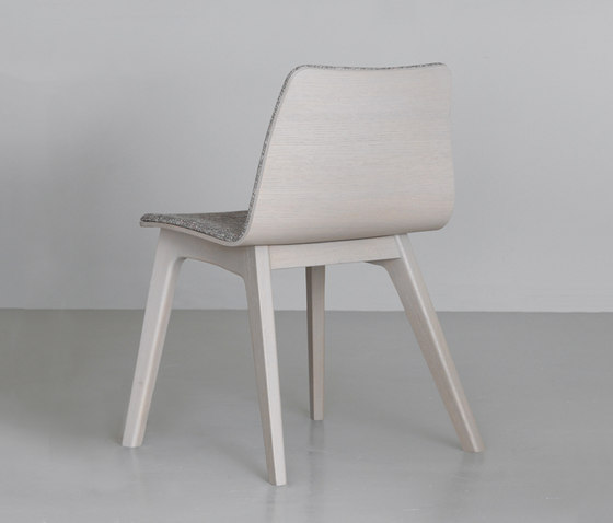 Morph Plus padded seat by Zeitraum | Chairs