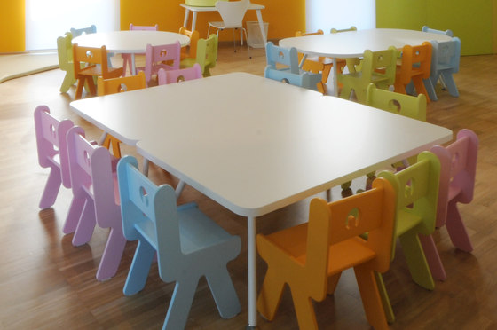Table rectangular top by PLAY+ | Kids tables