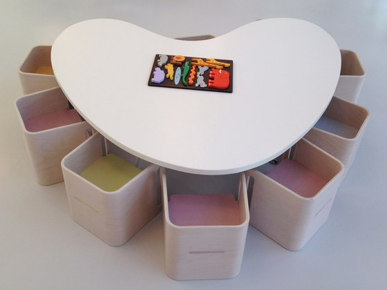Table heart shape top by PLAY+ | Kids tables
