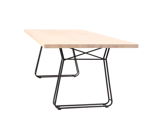 Figura Table by KFF | Restaurant tables