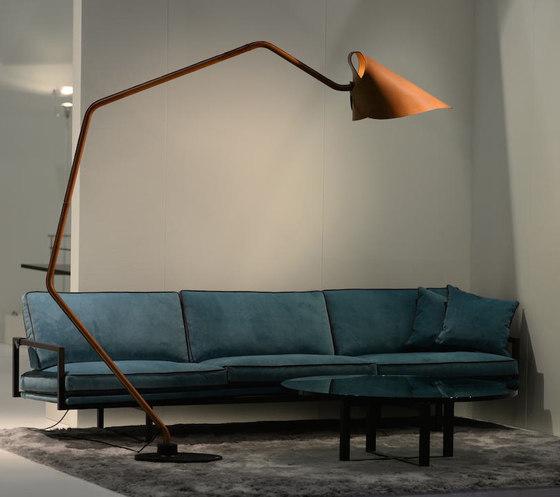 Mrs. Q floor lamp by Jacco Maris   Free-standing lights