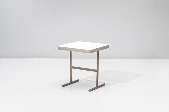 Boma side table 51,1 X 51,1 di KETTAL | Side tables