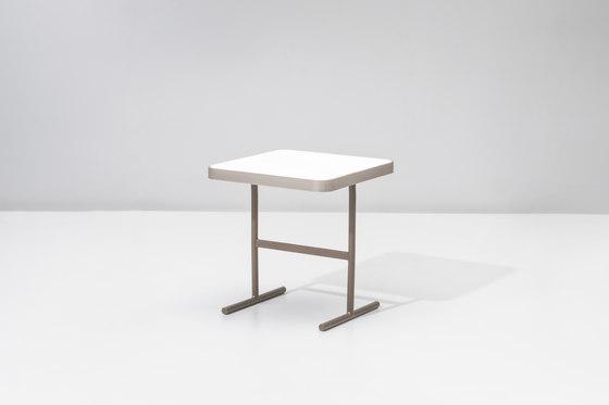 Boma side table 51,1 X 51,1 di KETTAL | Tavolini di servizio da giardino