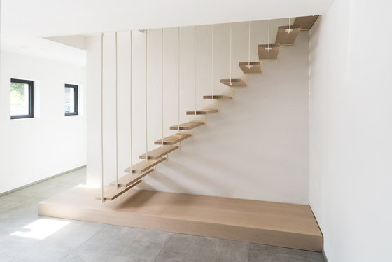 up escalier suspendu escaliers en bois de jo a architonic. Black Bedroom Furniture Sets. Home Design Ideas