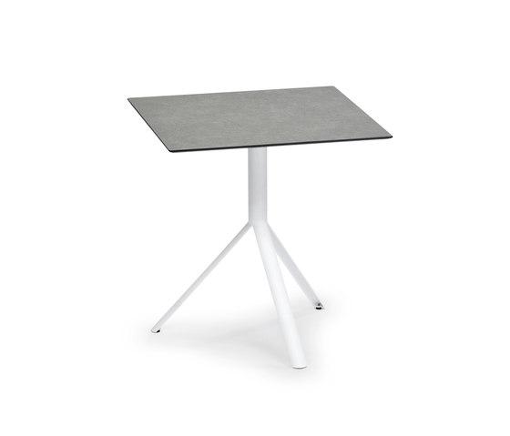 Trio Bistro Table, Tabletop HPL de Weishäupl   Tables de repas