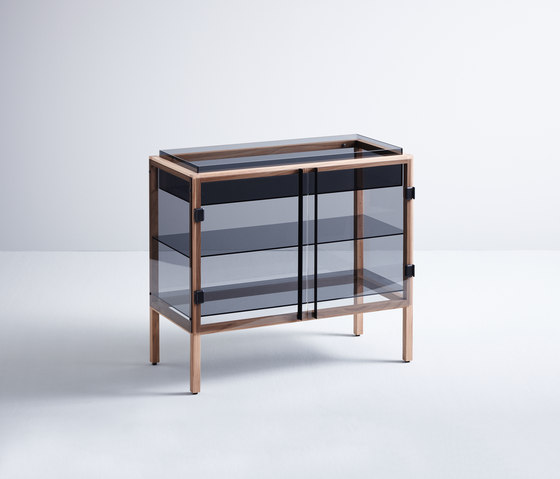 Shade by böwer | Display cabinets