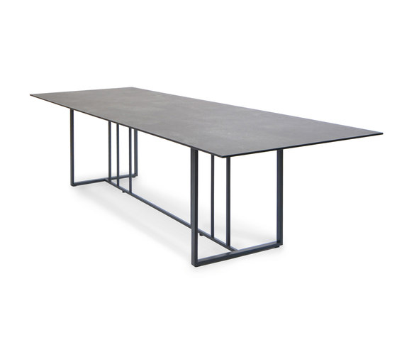 Suite table by Fischer Möbel | Dining tables
