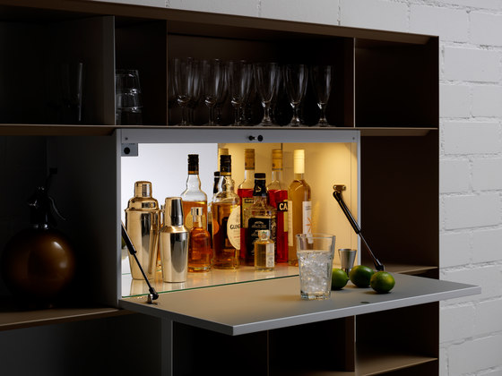Stack Bar-Element di Müller Möbelfabrikation | Scaffali