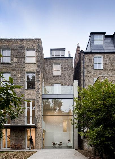 th guillotine sistemi di finestre vitrocsa architonic. Black Bedroom Furniture Sets. Home Design Ideas