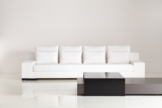 Motion coffee table von BALTUS | Couchtische