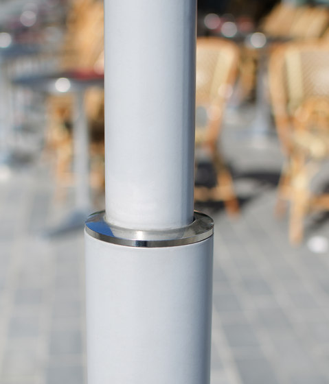 Acropole support post by AREA | Wayfinding