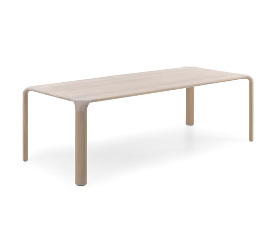 Aurelio by Leolux | Dining tables