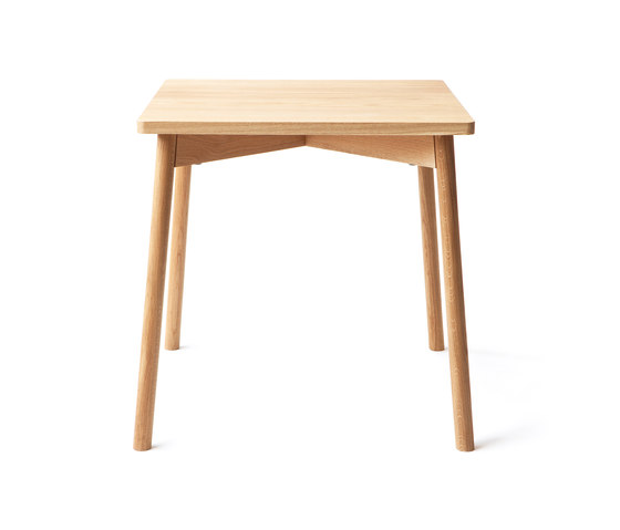 Café Skandi Table by Nikari | Dining tables