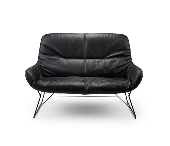 Leya Lounge Couch by Freifrau Sitzmöbelmanufaktur | Lounge sofas