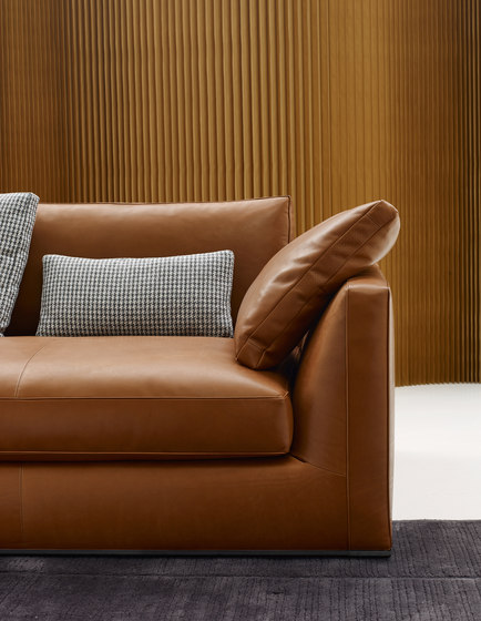 Richard Sofa by B&B Italia | Sofas