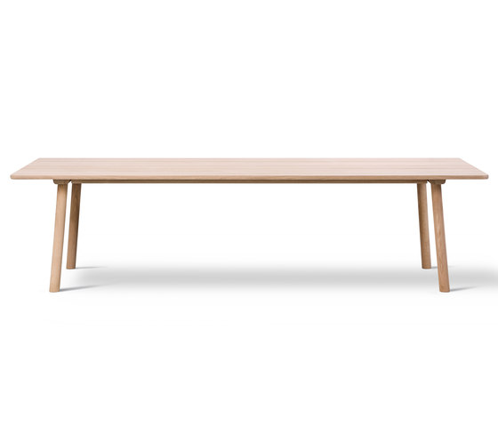 Taro Table by Fredericia Furniture | Dining tables