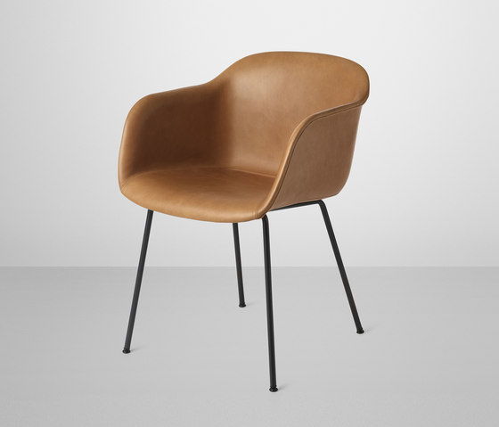 Fiber Armchair | tube base leather di Muuto | Sedie visitatori
