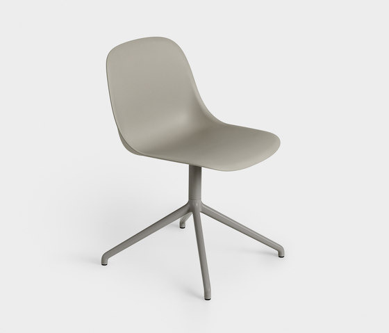 Fiber Side Chair | swivel base by Muuto | Chairs