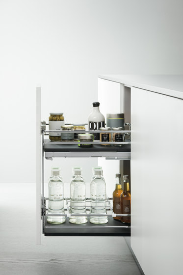 Base Units with Accessories | Pull-out base unit for bottles by Arclinea | Kitchen organization