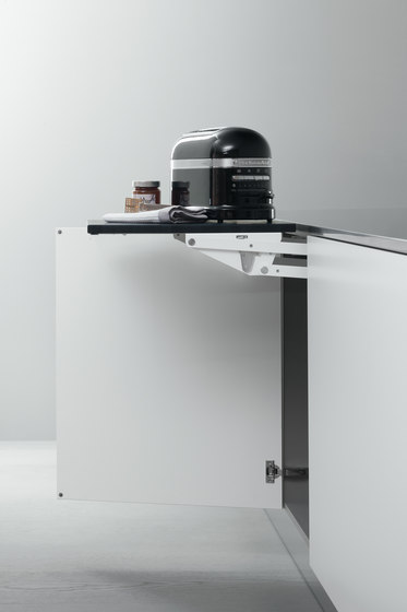 Base Units with Accessories | Base unit with internal lift-up worktop by Arclinea | Kitchen organization