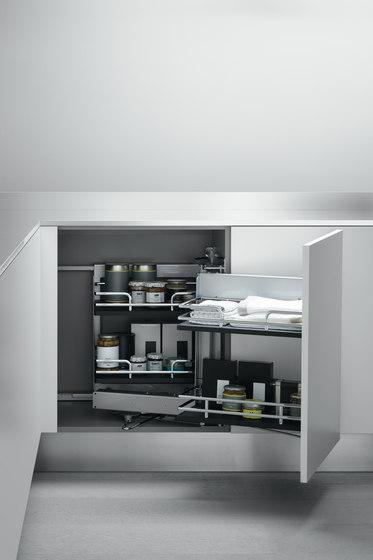 Undersink Unit | Corner base unit with pull-out door by Arclinea | Kitchen organization