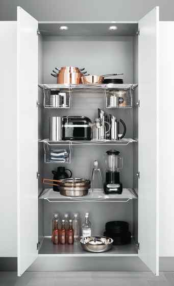Tall Units | Accessorised pantry unit by Arclinea | Kitchen organization