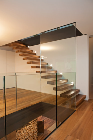 Treppen Kragarmtreppe by Trapa | Staircase systems