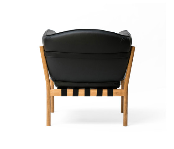 Dowel Armchair de TON | Sillones