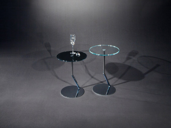 Disc OW c by Dreieck Design | Side tables