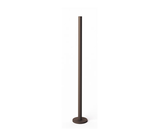 LO Table Candlestick Untreated 70 de Röshults | Candelabros