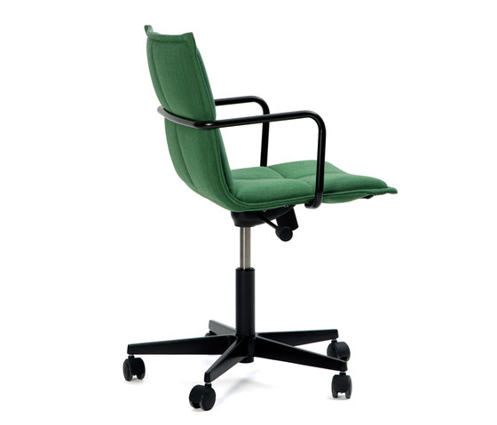 Lab ZB Chair by Inno | Chairs