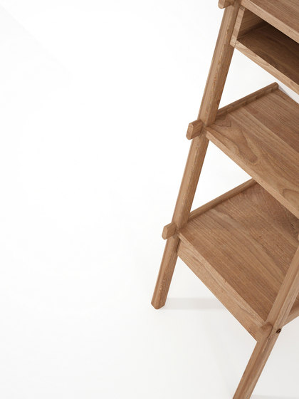 Simply City LADDER SHELF with DRAWER & NICHE von Karpenter | Handtuchhalter